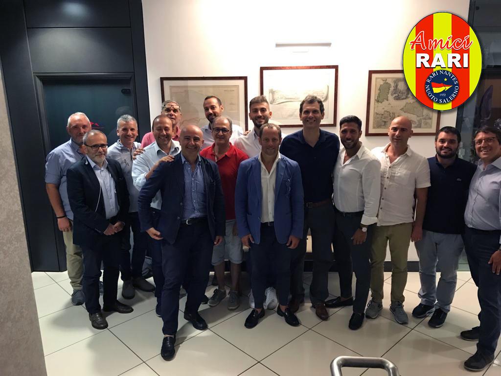 """Si è costituita formalmente l'Associazione """"Amici Rari"""" per sostenere le attività della Rari Nantes Salerno. Il presidente è l'ex capitano Peppe Iannicelli"""